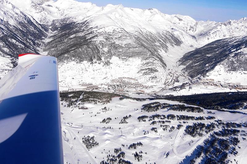 L'Aéroport d'Andorre. Acces Pas de la Case. Andorre comment y arriver
