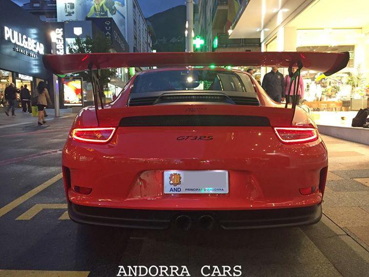 Porsche 991 GT3 RS. Version rouge sur l'avenue Carlemany