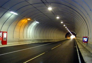 tunnel_envalira_electric_cars
