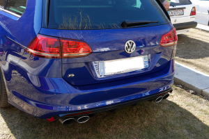 VW R blue