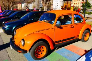 volkswagen beetle orange
