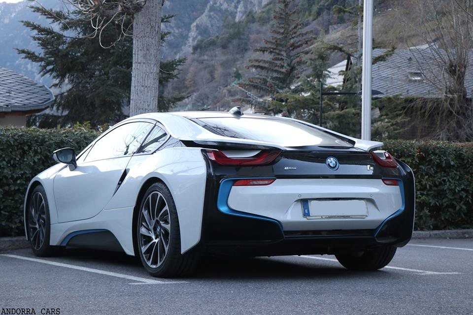 bmw i8 couleur blanche all andorra. Black Bedroom Furniture Sets. Home Design Ideas