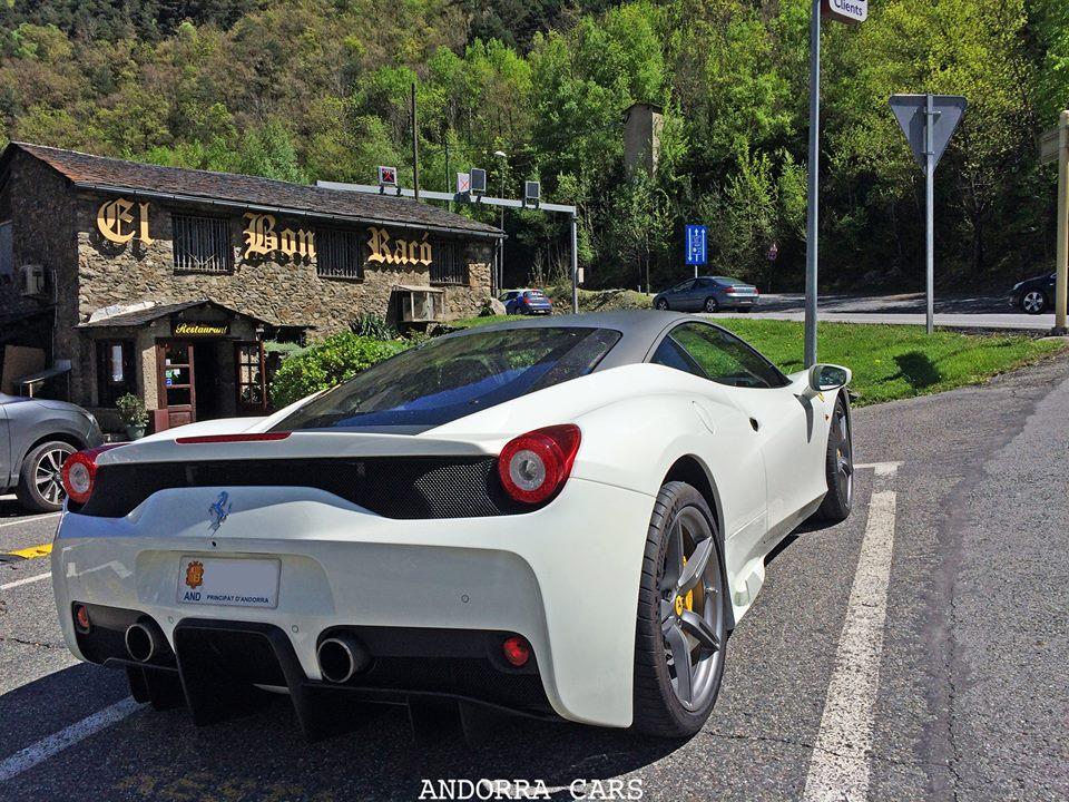 Ferrari 458 Speciale white