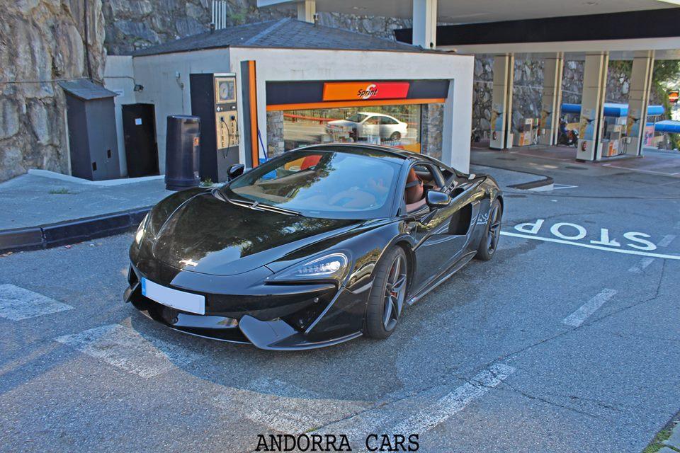 McLaren 570S black