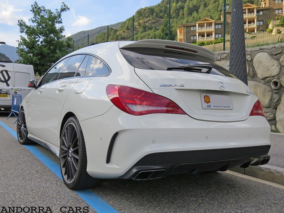 Mercedes-Benz CLA45 AMG Shooting Brake
