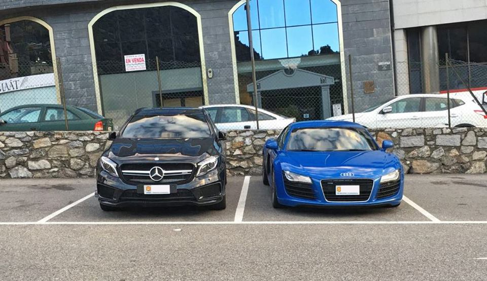 Mercedes-Benz GLA45 AMG VS Audi R8