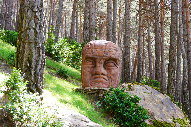 land art face