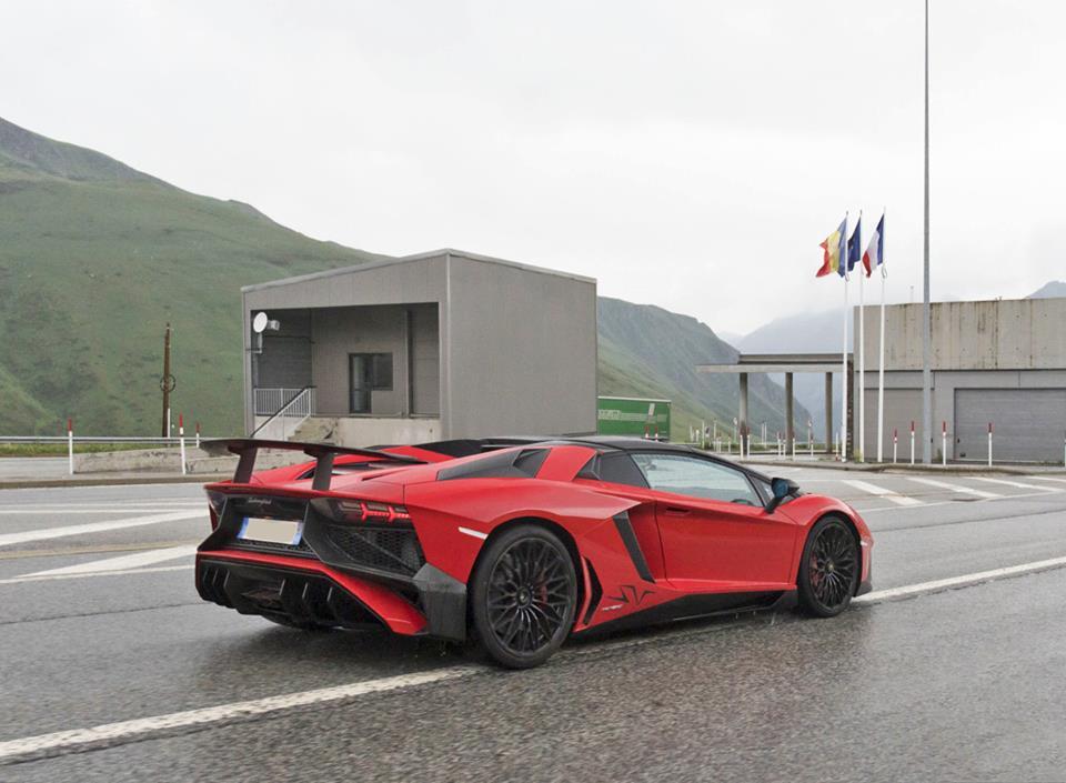 Lamborghini Aventador LP750-4 Super Veloce Roadster