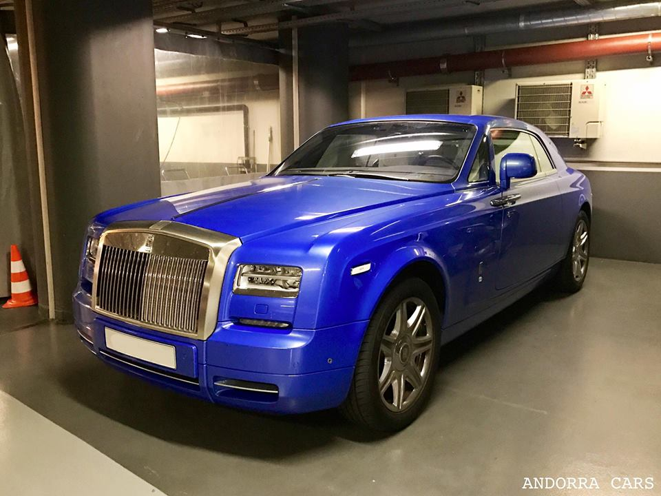 Rolls Royce Phantom blue