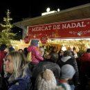 Le marché de Noël s'est ouvert en Andorre, l'éclairagefestive a été allumé dans les rues principales du pays