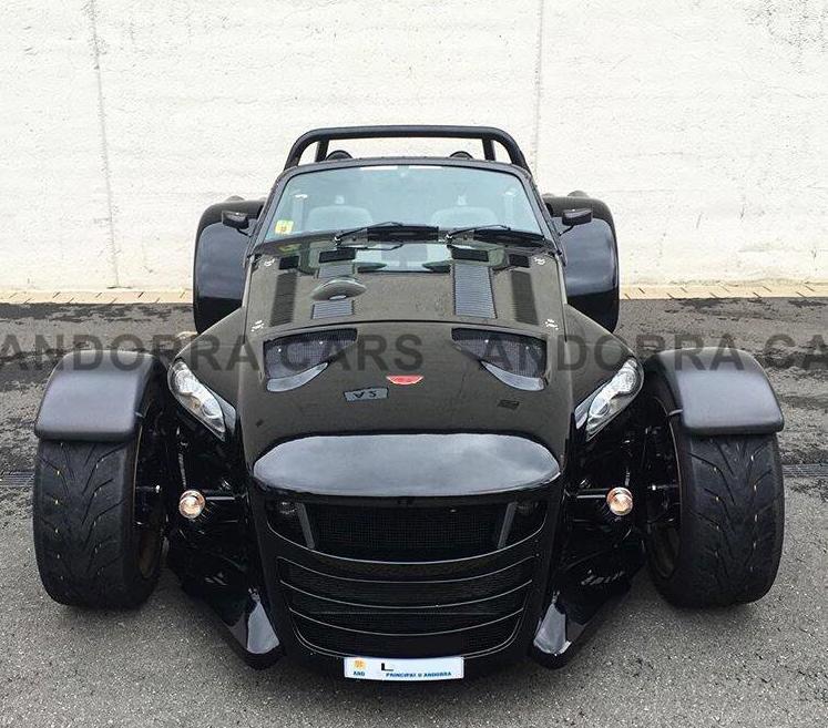Donkervoort D8 GTO 25. Version noire avec 403 CH