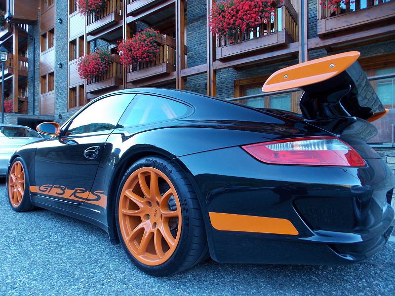 Porsche GT3 RS. Version noire et orange