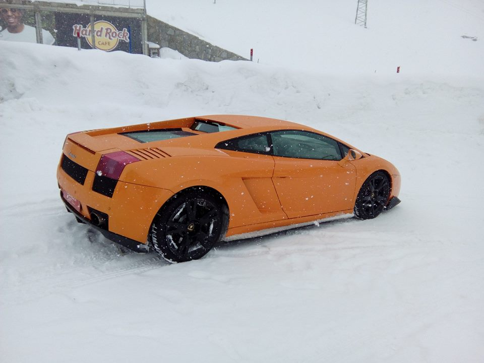 Lamborghini Gallardo Lp 570 4 Orange Color On A Hard Rock Cafe Snow