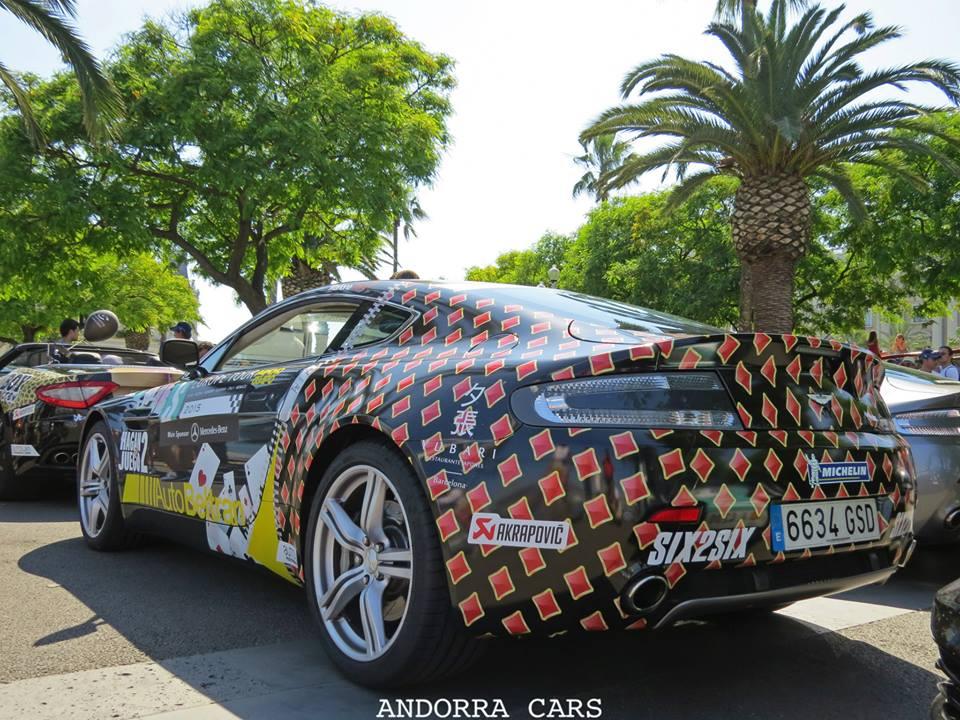 Aston Martin DB9. Voiture de James Bond