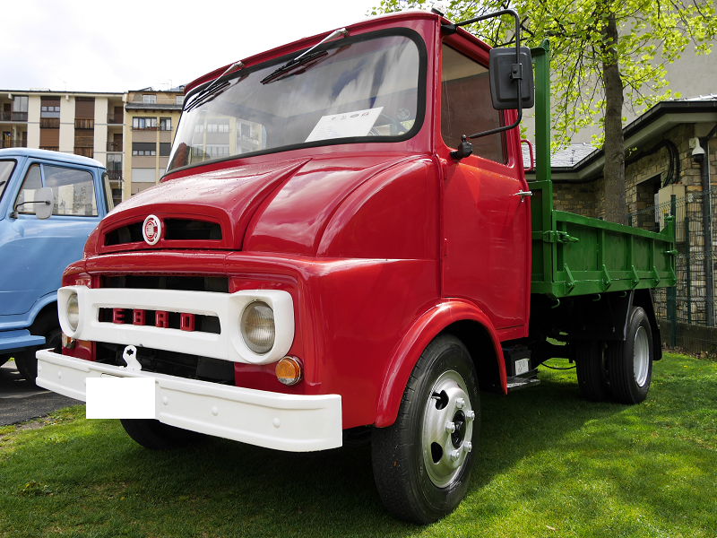 Spanish trucks: Ebro C-350: red copy from 1965