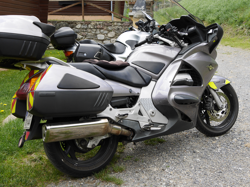 honda st1300 pan european grey color in xixerella 126 hp all andorra. Black Bedroom Furniture Sets. Home Design Ideas
