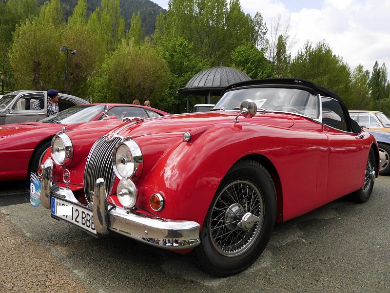 Jaguar XK150. Cabriolet rouge de 1959