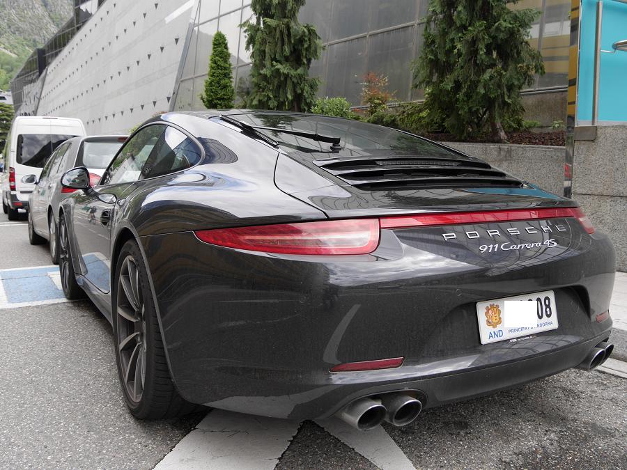 Porsche Carrera 911 4S : version noire