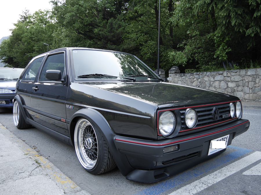 Volkswagen Golf II GTI 165. Version noire