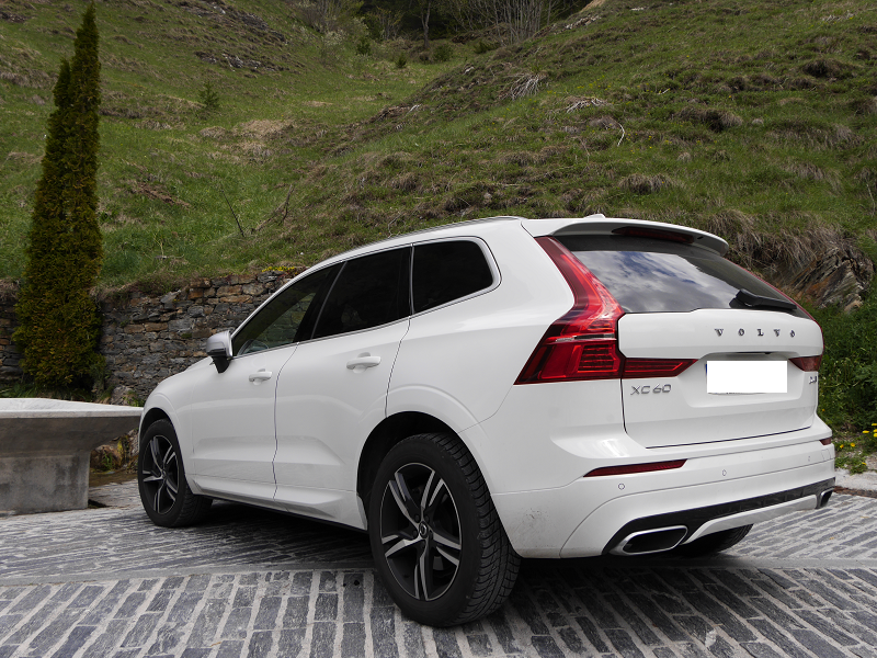 volvo xc60 d4 r awd white suv all andorra. Black Bedroom Furniture Sets. Home Design Ideas