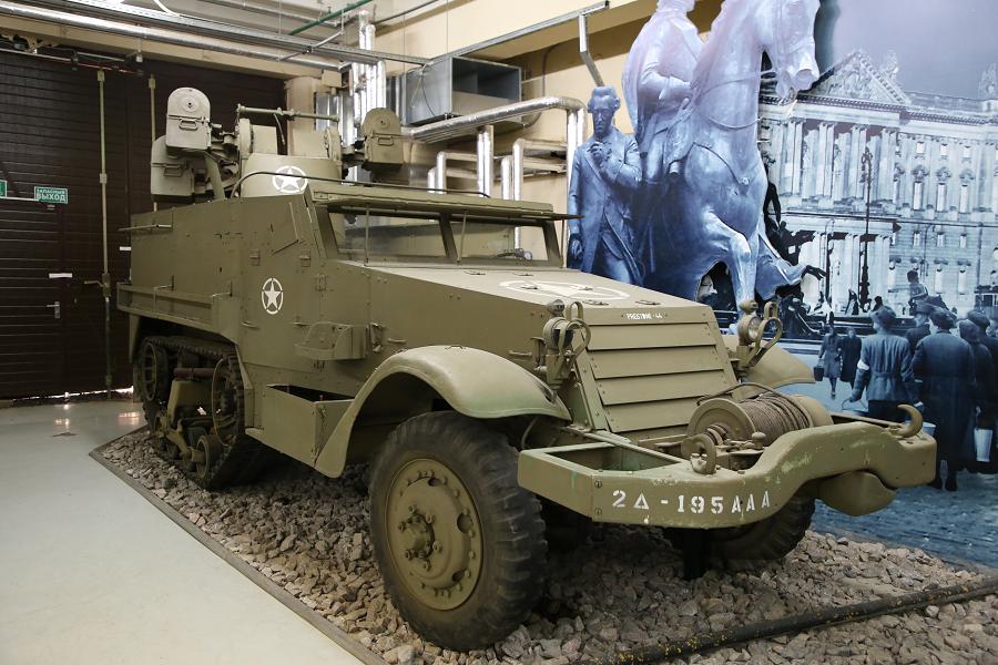 White Motor Co. M16 : camion Américain de moteur à plusieurs fonctions_mitrailleuses Browning (12,7 mm)