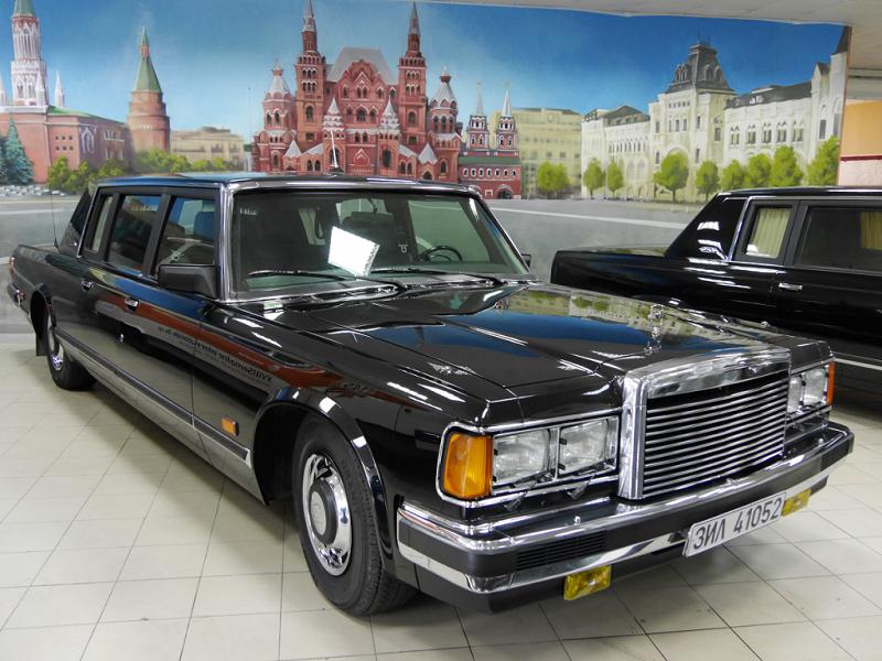 """ZiL 41052 """"Bronekapsula"""" : meilleure voiture blindée du monde_a vendre_test-drive_voiture rare_automobile du president_senat_consol_colonel"""