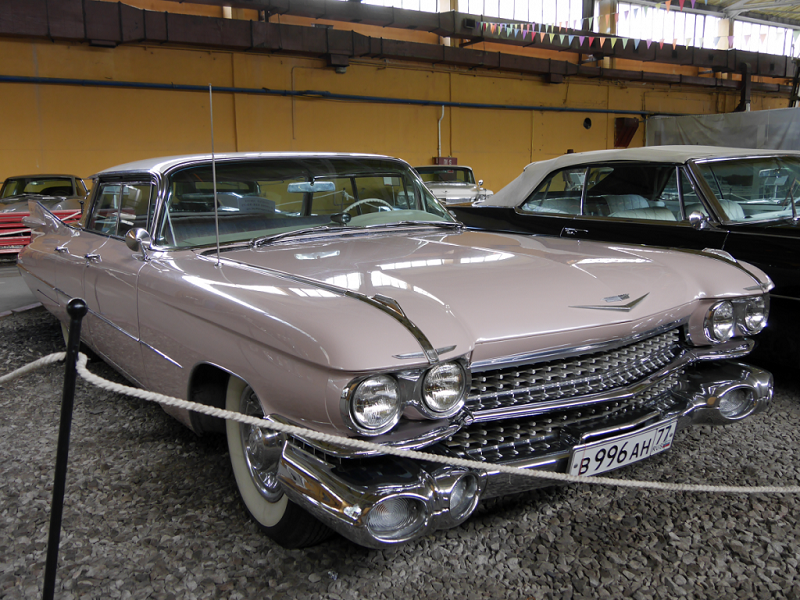 Cadillac Deville : berline Américaine