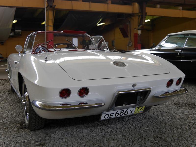Chevrolet Corvette C1 convertible. Version blanche