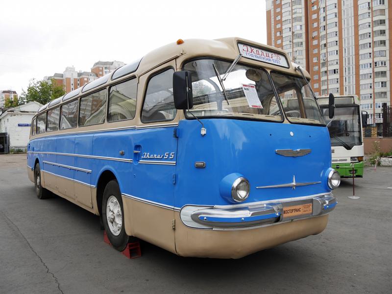 Ikarus 55 : bus ancien Hongrois