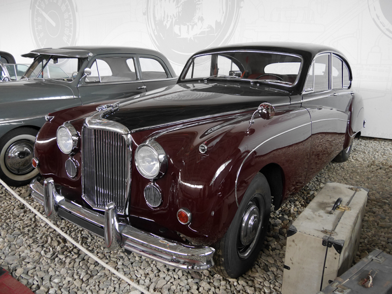 Jaguar Mark 9 : voiture Anglaise