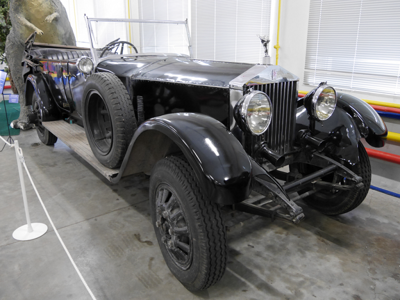 Rolls-Royce Silver Ghost : voiture ancienne. Version noire