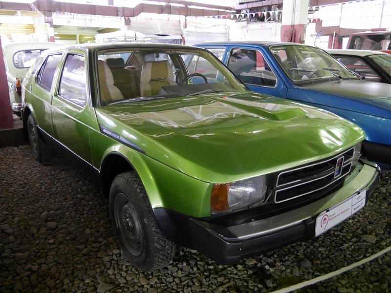 Moskvich S-1 (Meridian 1700 TS) : concept car Soviétique. Version vert clair
