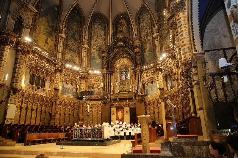 Escolania de Montserrat - la chorale est composée de 50 garçons âgés de 9 à 14 ans.