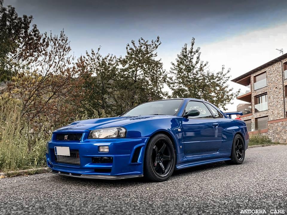 Nissan Skyline GT-R R34 V-Spec II : couleur bleu avec 280 CV