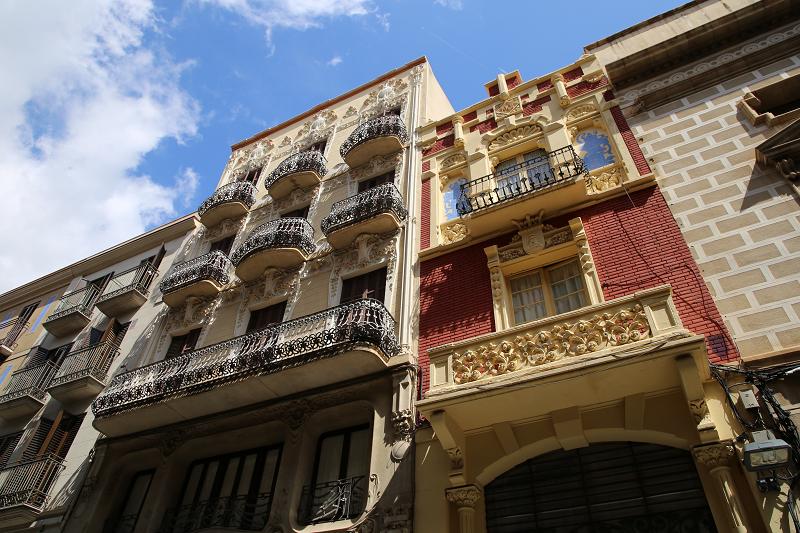 La maison est contiguë à la maison légèrement plus grande de Tomàs Jordi