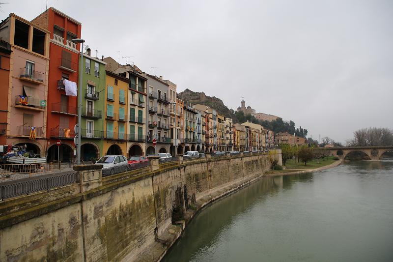 Balaguer: river Segre bank