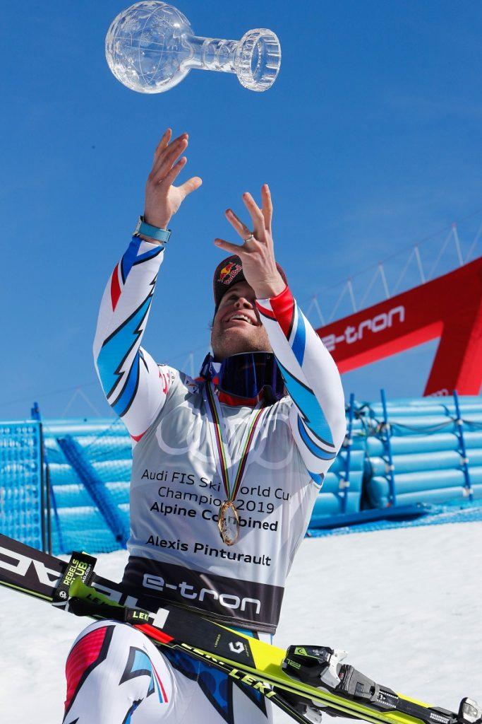 Alexis Pinturault lève le globe de cristal en combiné alpin