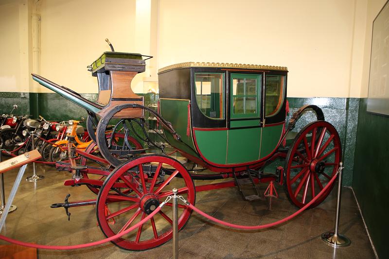 Carrosses d'Angleterre du XVIII siècle: Berlina.Musée de voituresà Lleida