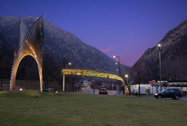 Новые ворота в Андорру-ла-Велью будут установлены со светодиодным дисплеем