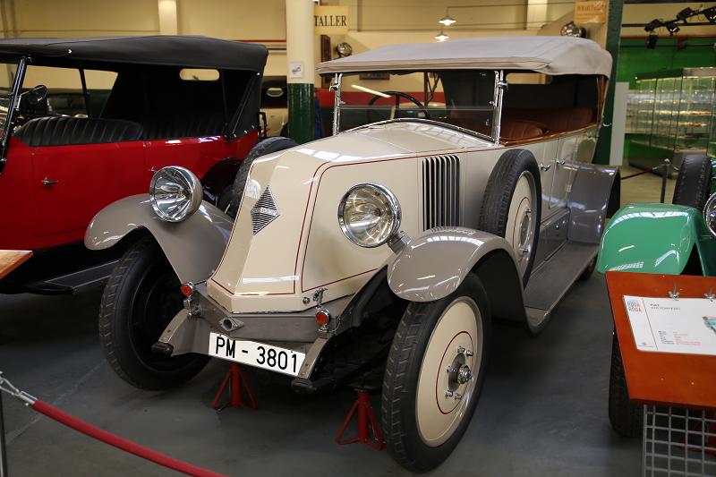 Белый Renault N.0 Torpedo образца 1925 года