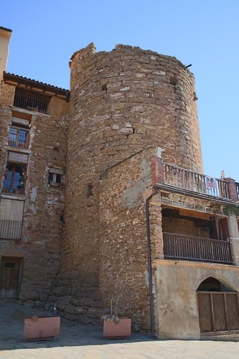Le château et village de Talarn