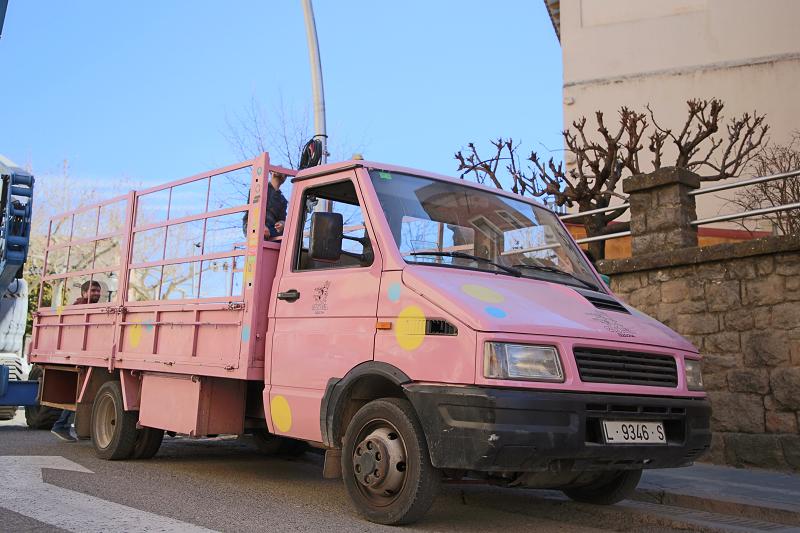 Ярмарка трюфелей в Сольсоне 2019: розовый грузовик