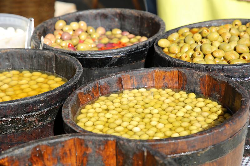 Ярмарка трюфелей в Сольсоне 2019: оливки