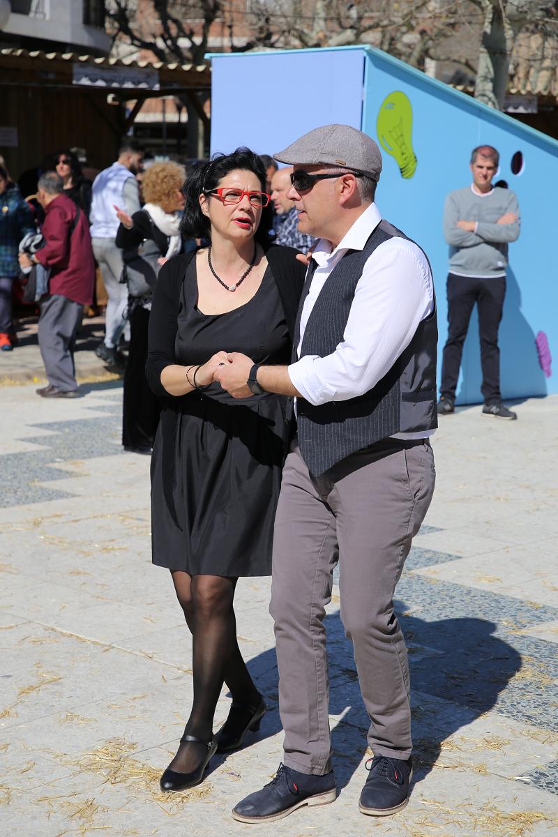Ярмарка трюфелей в Сольсоне 2019: танцы