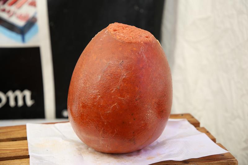 Ярмарка трюфелей в Сольсоне 2019: испанские колбасы