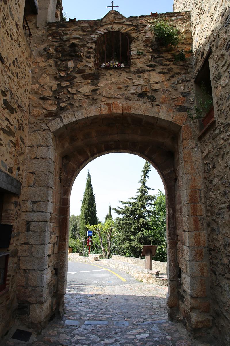 Il devint alors une baronnie passant de main en main jusqu'en 1789, où avec la Révolution française, il devint propriété de la commune de Castelnou