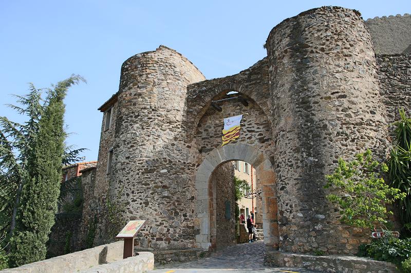 Castelnou fait partie des plus beaux villages de France