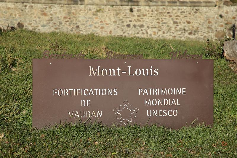 Мон Луи - город и крепость