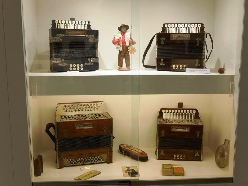 Diatonic accordion. Josep Plonas.