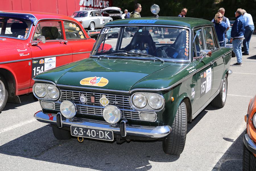 Fiat 1500: зеленый седан образца 1965 года